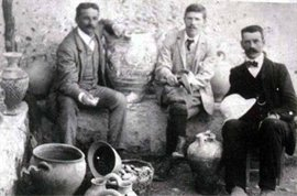 Theodore Fyfe and Arthur Evans at Knossos