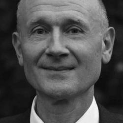 Dr Sebastian  Macmillan